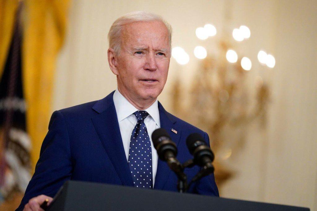 Biden Calls On School Administrators And Applauds Their Defiance Of Anti-Mask Regulations.